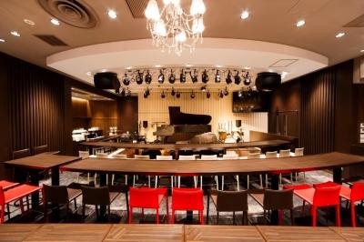 イタリアン・フレンチ・和食など、さまざまな業態で将来の店長を募集します。