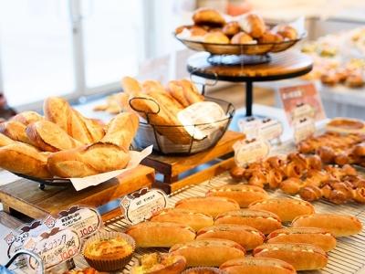 安くておいしい100円パンで、お客様に感動をお届けしましょう!