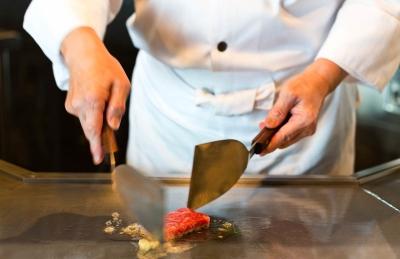 全10室のみ!高級感あふれる伊豆のリゾートホテル内レストランで、キッチンスタッフとしてご活躍を。