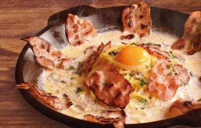 石窯で焼き上げる種類豊富なピッツァが大人気です!
