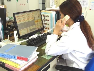 病院での栄養士業務(お客様と電話での調整もあります)