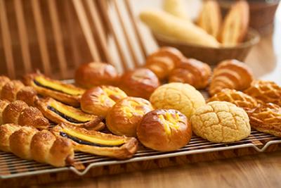 あなたが培ってきたパン作りのスキルや経験を活かし、更なる商品の付加価値を生み出してくれる方を募集!