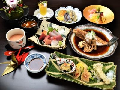気軽な雰囲気の中で本格和食が楽しめる割烹料理店で、調理スタッフの募集です!