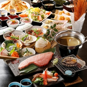 小田原産地魚・北海道根室一番競りの産地直送の鮮魚を仕入れています。