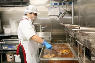 揚げ物からおはぎまで、多彩な調理技術を習得できます。