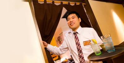 日本全国の駅前にある、おなじみの居酒屋チェーン店で、店長候補としてご活躍を!