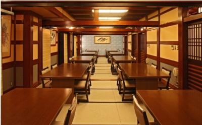 日本文化が好きな方、寿司職人としてキャリアを積みたい方にぴったりな環境です(道頓堀店店内)