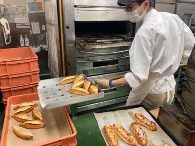 オールスクラッチ製法で、ハードパンや総菜パンなど多彩なパンを提供する『THE BREAD』。