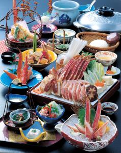 かに料理はじめ、旬の食材をつかった料理も数多く取り揃えております。