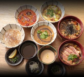 大井町にある蕎麦居酒屋、六本木の創作和食と酒の店の3店舗で、ホールスタッフを募集。