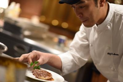 和食店や本格イタリアン、バルなどで、未来の料理長を募集します。