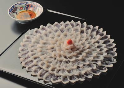 石巻のほか、日本各地から届く新鮮な鮮魚を仕入れています◎