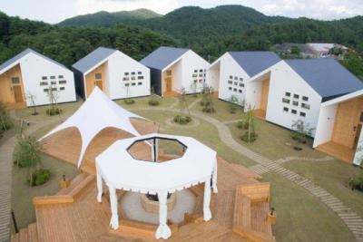 それぞれコンセプトの異なった総合リゾートを楽しめる施設です。
