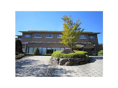 東芝グループの福利厚生施設です。旬を大切に、四季折々のメニューを提供しています。