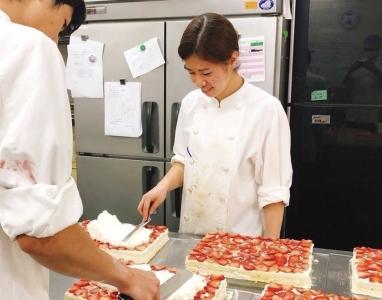 多彩な業種のお店と取引を行う安定基盤を築く当社。2018年5月、中国にカフェをオープン予定!