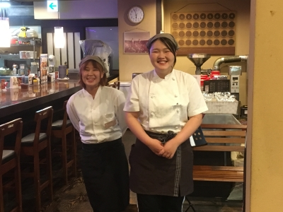 福岡・千早にある洋食レストラン「レストランハロー」でホールスタッフ募集♪
