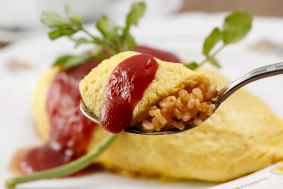 オムレツだけではなく、日本料理であるオムライスを世界普及は当社のミッションの1つです。