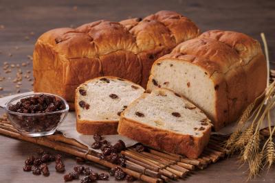 こだわりの食パン専門店「穂のか」と、カフェスペースも設置する「ぶどうの森」での同時募集!