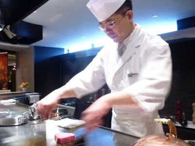 高級鉄板焼き~カジュアルなお料理まで!オールラウンドに活躍できるキッチンスタッフを募集。