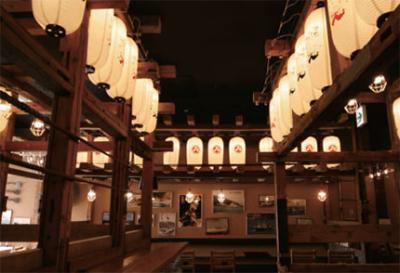 豪快な藁焼きで調理した鰹のたたきで人気!岡山市内で展開中の高知料理店で、ホールスタッフ募集中!