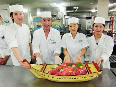 『大江戸温泉物語』では、和洋中幅広いジャンルの料理をバイキング形式で提供しています。