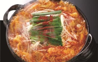 辛さを極めた赤から鍋はやみつきの旨さです。