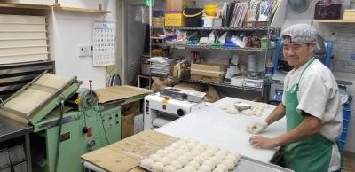 パンの生地は10種以上!種類によって異なる製パンスキルを身に付けながら成長できます。