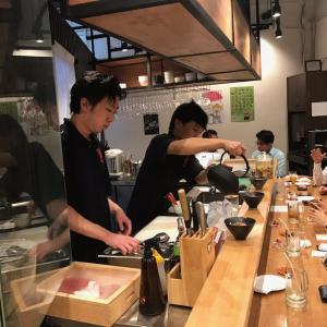 日本で予約の取れないお店として話題の「肉山」。タイ・バンコクにあるFC店で、調理スタッフを募集!