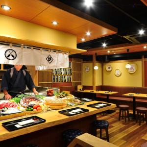 大阪市内で展開する居酒屋系ブランド計6店舗で、ホールスタッフ募集!
