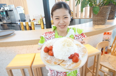 ハワイ発祥のパンケーキ&ブレックファースト・レストランの新店舗でホールスタッフ募集!
