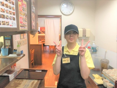 せっかくアルバイトするなら楽しい仲間がいる当店で(^_-)-☆時給1100円◎おいしいまかない付き◎