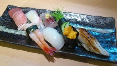 圧倒的コストパフォーマンスながらも、こだわりのすしを提供しているため、根強い人気のある寿司店。