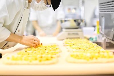 食パン専門店で製造スタッフとして活躍しよう。職人の精巧な技術と高い感性により店は日々進化しています。