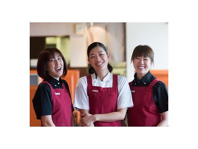 4~6店舗の統括、マネジメント業務をおまかせ。経験を活かして、店舗運営を円滑にすすめるアドバイスを!