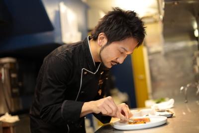 独創的で美しい料理が人気のイタリアン!都立大学店・初台店の2店舗でキッチンスタッフを募集。