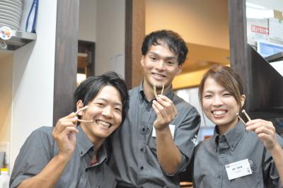 現場は社員・アルバイト含め10~70代がバランス良く在籍。若手とベテランが協力し合う環境です☆