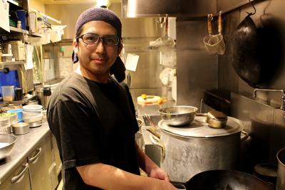 将来は、料理長や店長など、お店の責任者として活躍できるチャンスもあります。