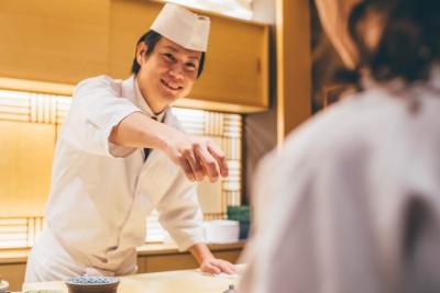 オープンまでは新宿の既存店にて研修を実施します。