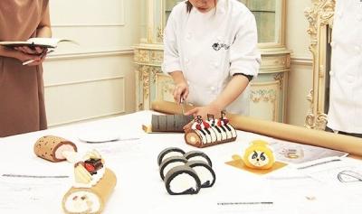 おいしい生クリームが自慢のロールケーキが有名。東陽町にあるアトリエでの勤務です。