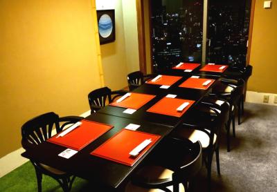 浅草の街を一望できる完全個室あり。デート、お顔合わせなどにも重宝されています。