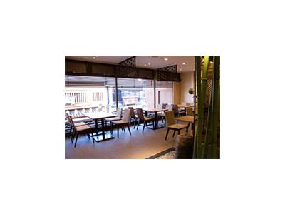 海外からのお客様も多い京都・清水寺の近くに佇む2店舗でキッチンスタッフを募集