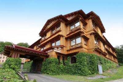 雄大な自然に囲まれた登録有形文化財『十和田ホテル』で勤務しませんか?