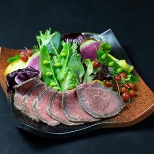 新宿でも、鮨・水炊き・すき焼きなどの高級業態で店舗を運営中!