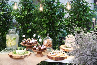 ゲストハウスのパティシエとして、ウェディングケーキやデザートづくりに取り組みませんか。