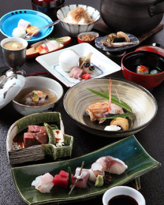 野菜は京野菜や有機野菜を、魚介類は近海ものを使用。素材の良さを引き出す調理を心がけています。