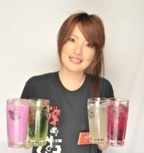 大阪市内に展開する多彩なジャンルの飲食店でスタッフ募集!入社後、スピーディーに店長へ昇格も。