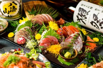 女子会にも大人気!大阪市内でモダンな居酒屋や焼き鳥店を多数運営しています