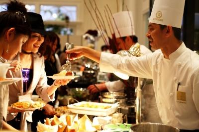 東京・神奈川・埼玉・千葉にある11のゲストハウスで、ブライダルの調理スタッフ募集!