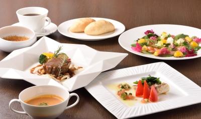 当店は、東海地方の素材を活かした創作郷土料理など、和洋問わずお楽しみいただけるオールデイダイニング。