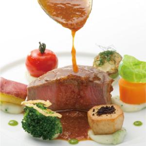 食材の旨みを引き出し、日本人の口に合うフレンチ料理を追及しました。